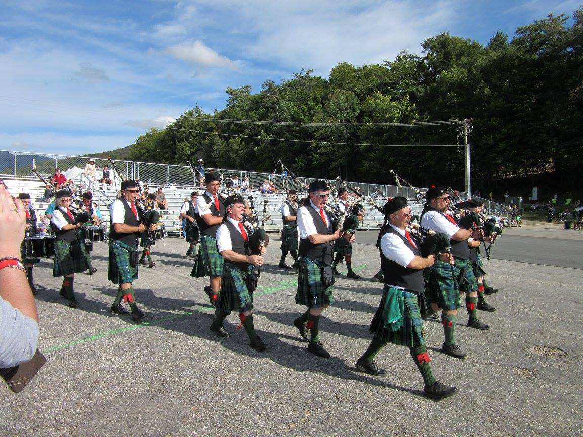 The stepping off for the final competition of 2016 at the Loon Mountain Highland games.
